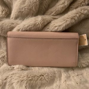 Michael Kors Bags - Michael Kors Wallet- NWT!! 🖤